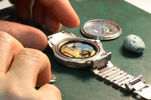 時計の電池交換のイメージ
